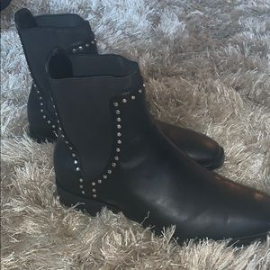 New without tags Zara low ankle boots!
